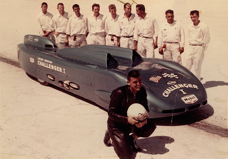Mickey Thompson with his team 1960 Bonneville