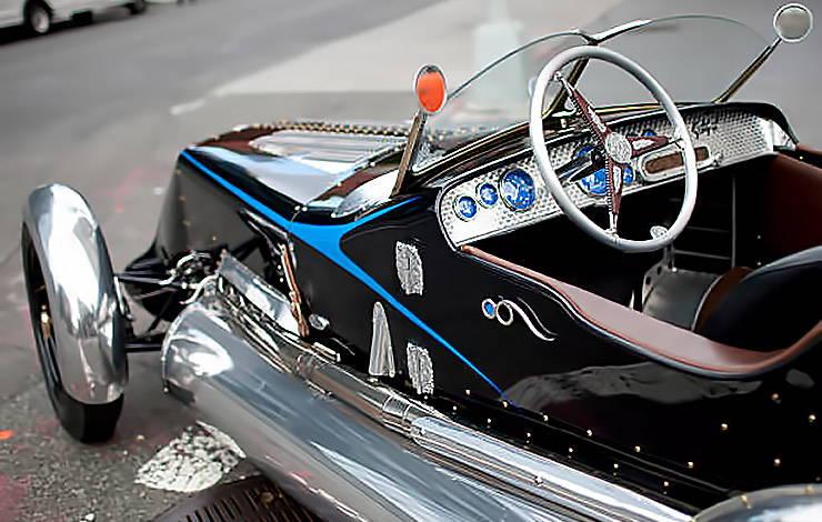 Magnolia Special roadster cockpit