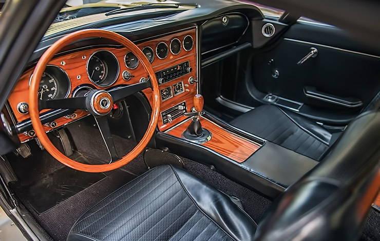 1967 Toyota 2000 GT interior