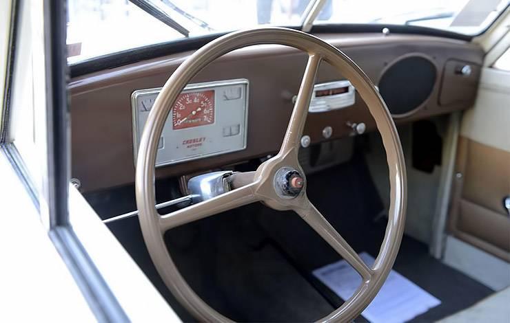 1952 Crosley Model CD interior