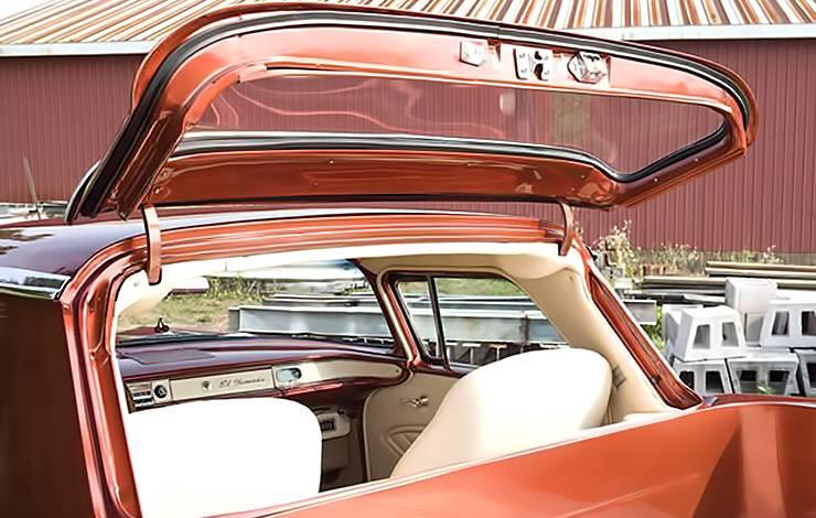 1958 El Nomado rear window