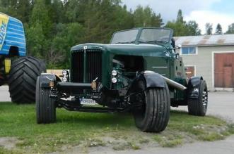 The Crocodile green monster truck