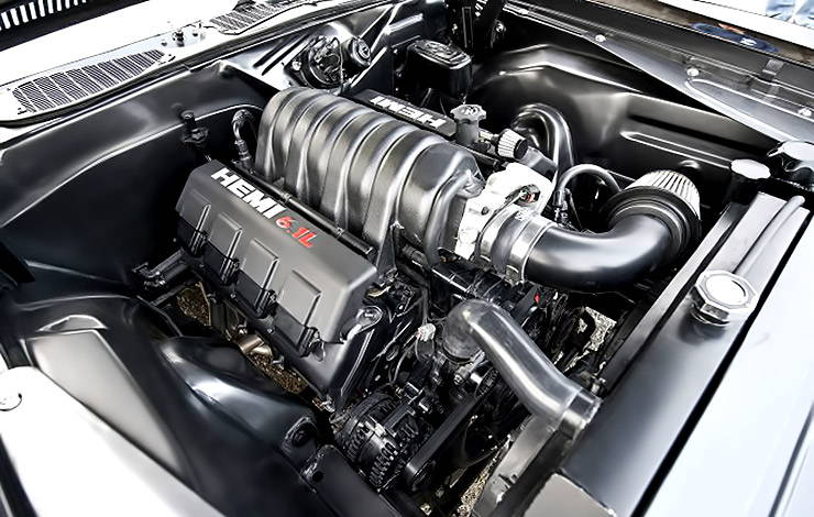 1973 Plymouth 'Cuda Blackend Hemi engine